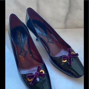 🛍 Vintage Louis Vuitton Low Heel Pumps